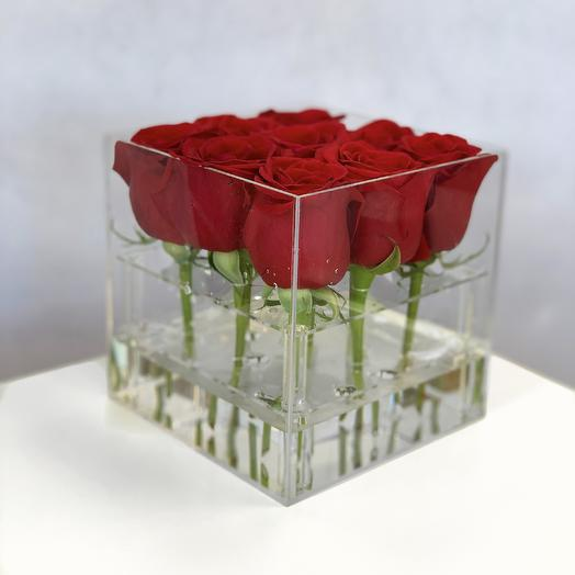Куб с 9-ю розами: букеты цветов на заказ Flowwow