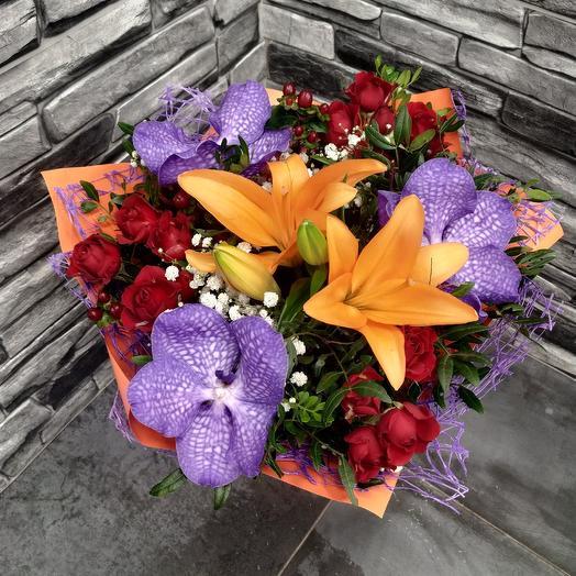 Букет дня 😉 с орхидеей Вандой: букеты цветов на заказ Flowwow