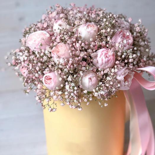 """Bouquet in a hat box """"vision of loveliness"""""""