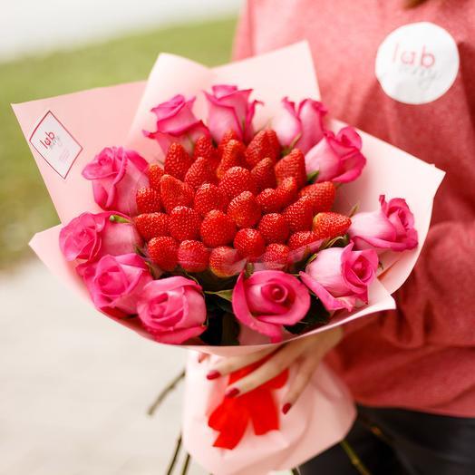 Сатурн М: букеты цветов на заказ Flowwow