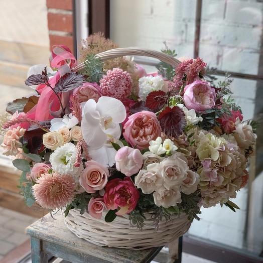 """Большая корзина с цветами """"Лолита"""""""