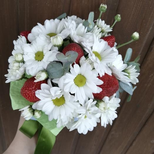 Strawberry: flowers to order Flowwow
