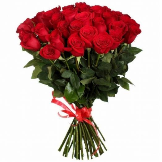 35 шт красных роз