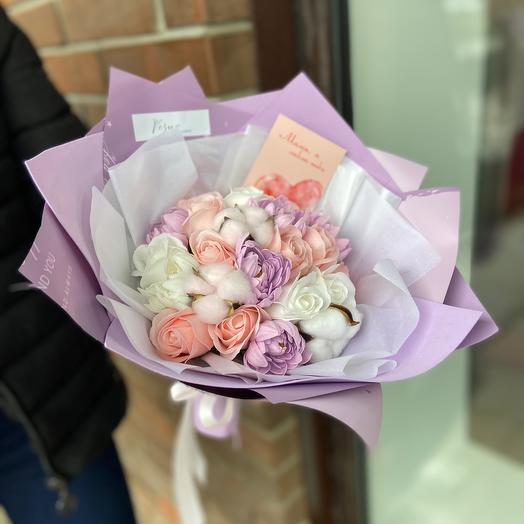 Букет мыльных цветов в стильной упаковке