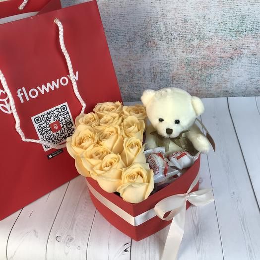 Heart box with cream roses and a stuffed toy