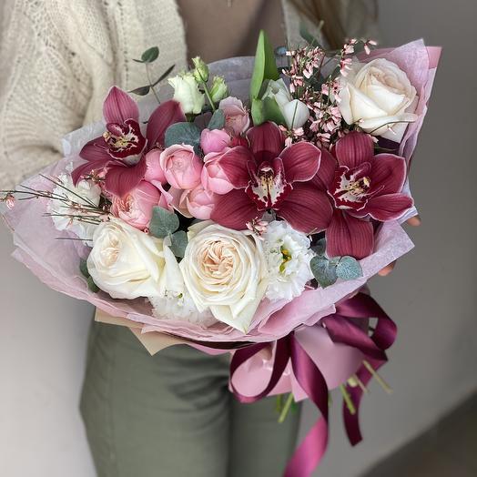 Meloni bouquet of cymbidium, roses and eustoma