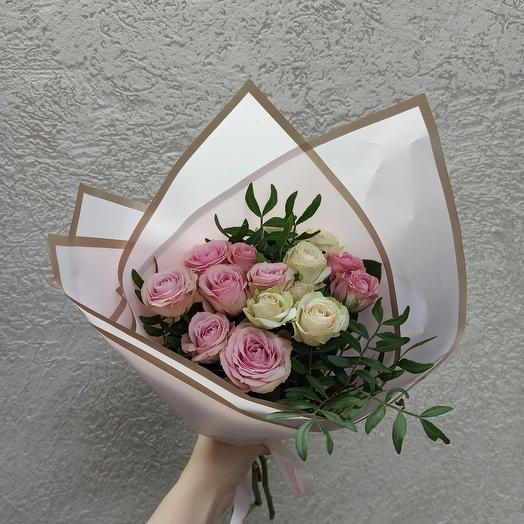 Букет с кустовыми розами Эквадор