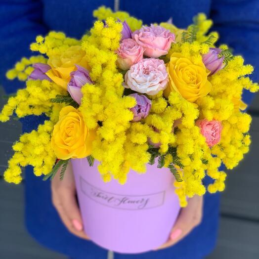 Мимоза с тюльпанами