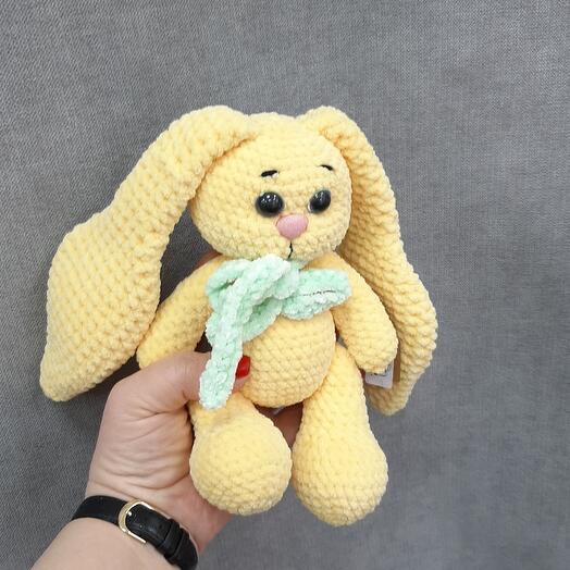 Желтый зайка