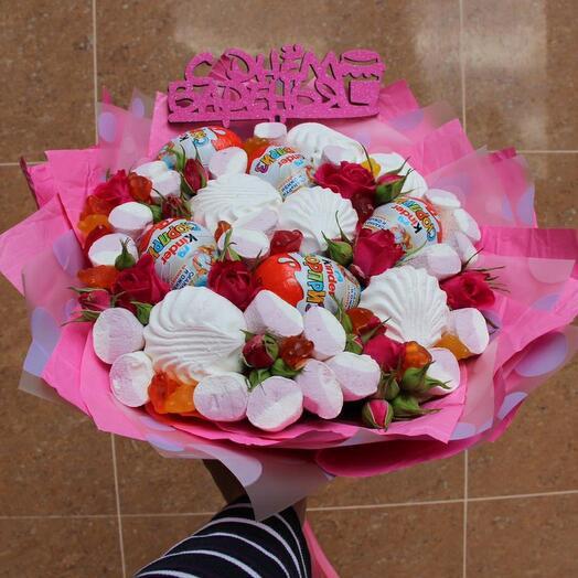 Букет с зефиром и цветами