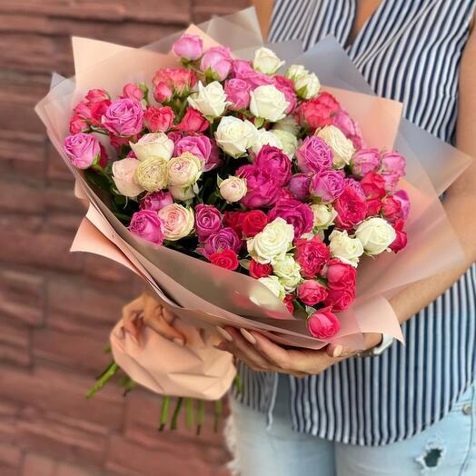 Микс из 25 кустовых роз