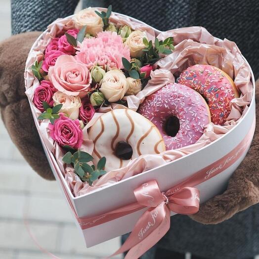 Нежное сердце с пончиками