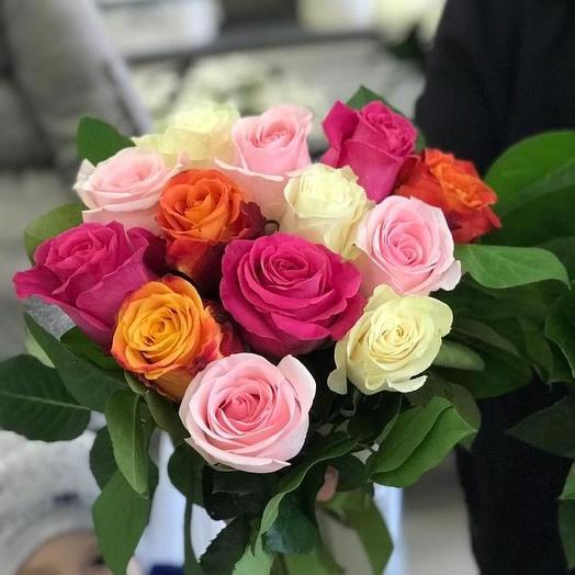 Букет из 13 разноцветных голландских роз 60 см: букеты цветов на заказ Flowwow