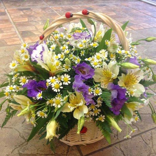 Корзинка из сборных цветов: букеты цветов на заказ Flowwow