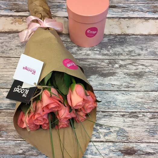 Букет из коралловых роз Анна Карина: букеты цветов на заказ Flowwow