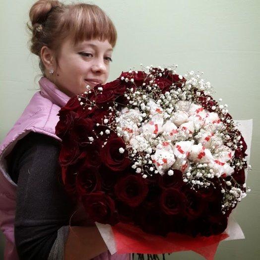 Сердце из роз и конфет Рафаэлло