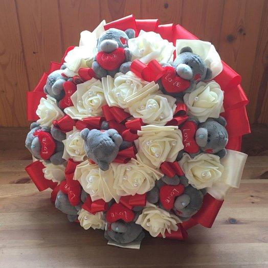 Букет из мишек Тедди и роз 9 красный: букеты цветов на заказ Flowwow