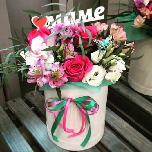 Цветы в шляпной коробке: букеты цветов на заказ Flowwow