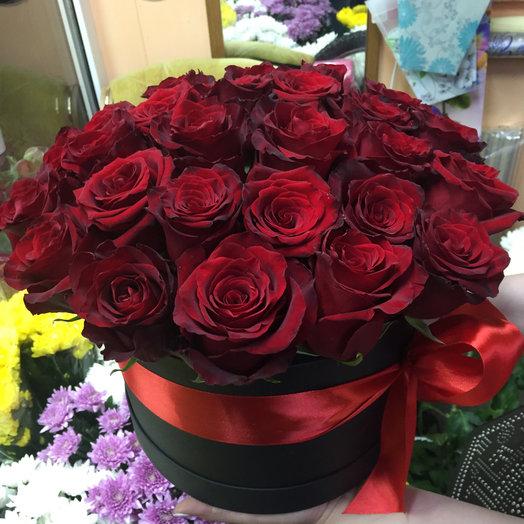 Шляпная коробочка Примма Бархат: букеты цветов на заказ Flowwow