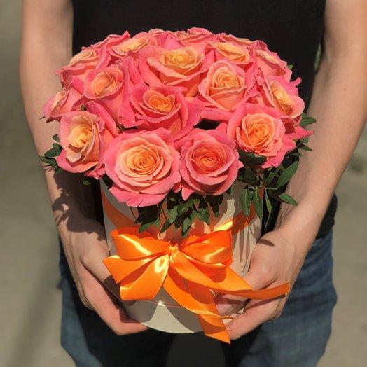 Коробки с цветами. Роза розовая. 19 роз. N164: букеты цветов на заказ Flowwow