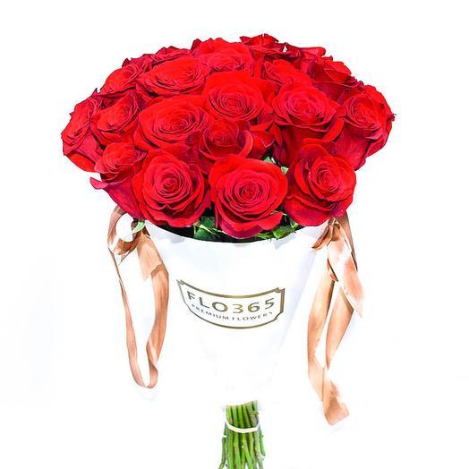 25 красных роз в конверте: букеты цветов на заказ Flowwow