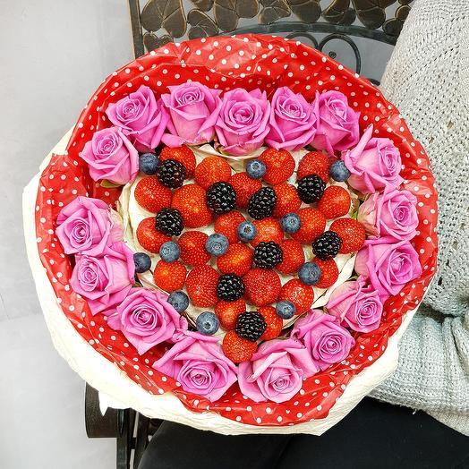 Клубнично-розовый десерт: букеты цветов на заказ Flowwow