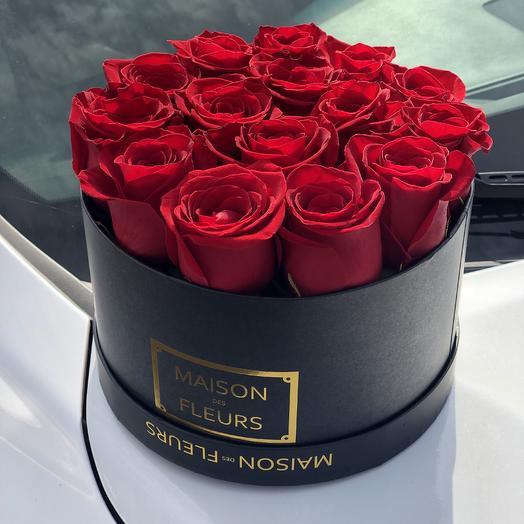 15 Красных роз в фирменной Коробке