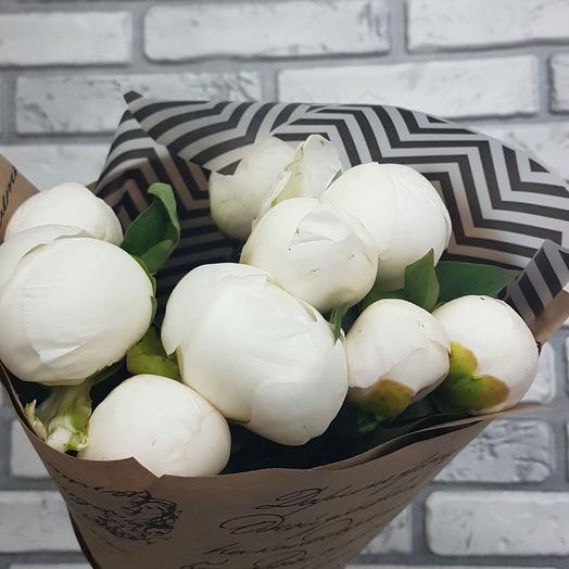 9 белых пионов: букеты цветов на заказ Flowwow