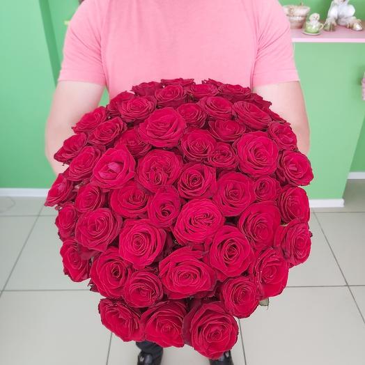 Букет из 51 алой розы: букеты цветов на заказ Flowwow