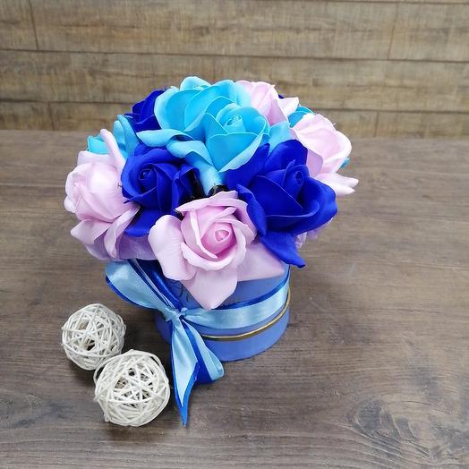 Стильная коробочка из мыльных роз: букеты цветов на заказ Flowwow