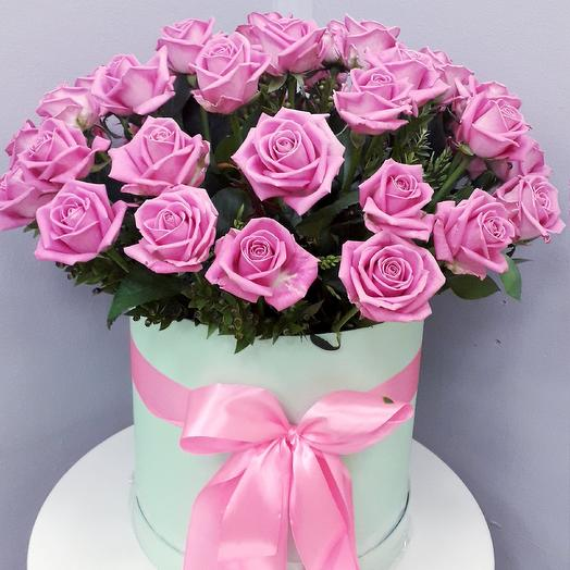 Букет 39 роз Аква в шляпной коробке: букеты цветов на заказ Flowwow