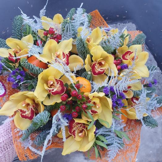 """Яркий букет с орхидеями,нобилисом и мандаринами """"Зимнее настроение"""": букеты цветов на заказ Flowwow"""