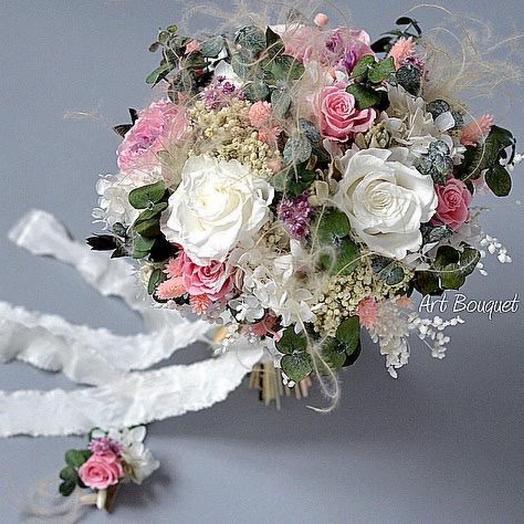 Авторский свадебный букет с бутоньеркой из стабилизированных цветов с розами