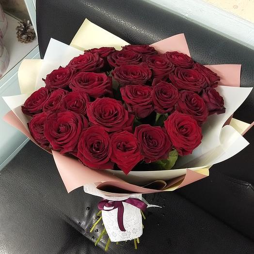 25 красная роза февральская
