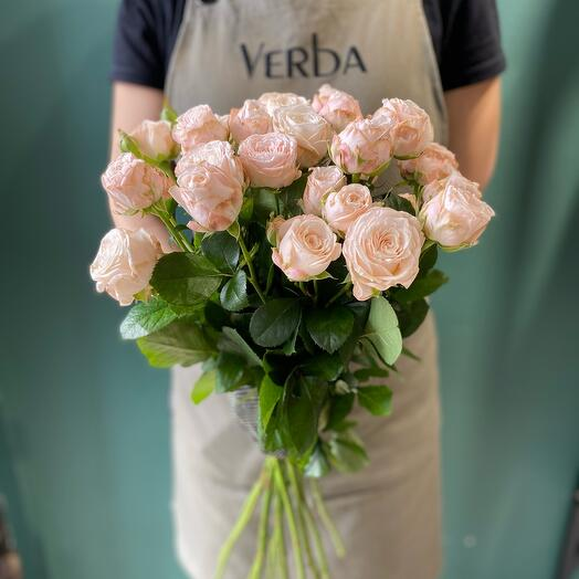 Букет и 11 кустовых пионовидных роз