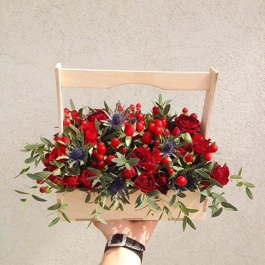 Ягодно-красный ящичек: букеты цветов на заказ Flowwow