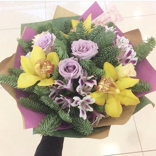 Новогодняя прелесть: букеты цветов на заказ Flowwow