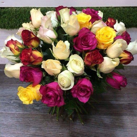 Яркий микс из 51 розы: букеты цветов на заказ Flowwow