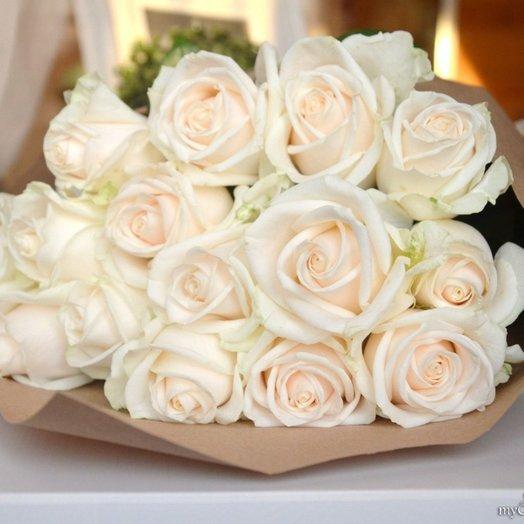 Букет роз в Упаковке: букеты цветов на заказ Flowwow