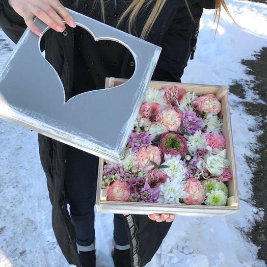Деревянный ящик: букеты цветов на заказ Flowwow
