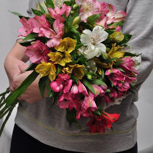 Букет из 11 разноцветных альстромерий: букеты цветов на заказ Flowwow