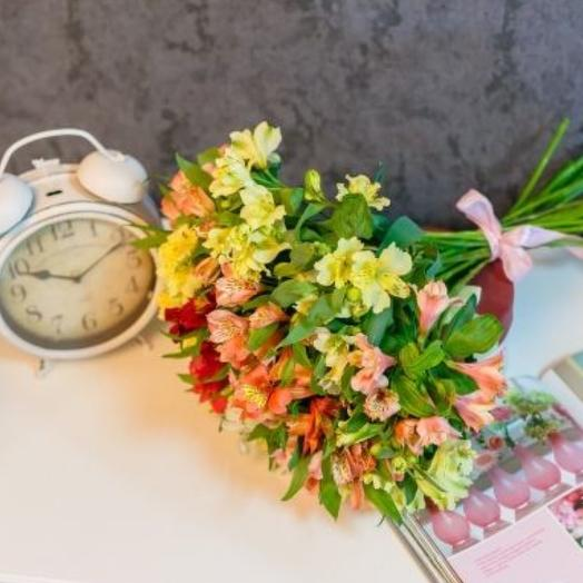 15 веток альстромерий: букеты цветов на заказ Flowwow