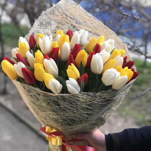 Букет из 59 тюльпанов: букеты цветов на заказ Flowwow