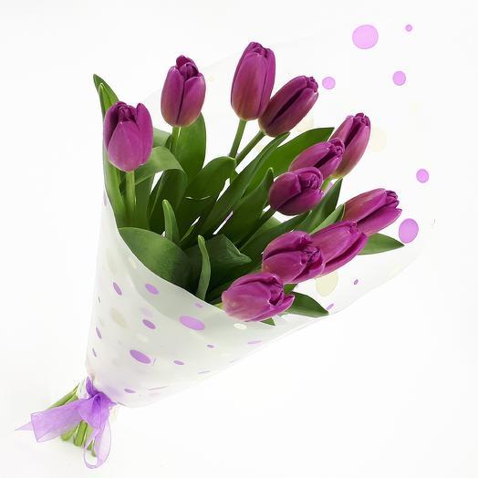11 фиолетовых тюльпанов