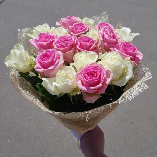Букет из 19 бело- розовых роз: букеты цветов на заказ Flowwow