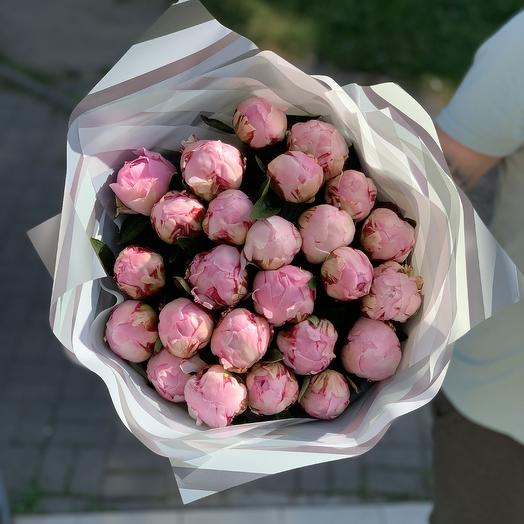 25 Пионов: букеты цветов на заказ Flowwow