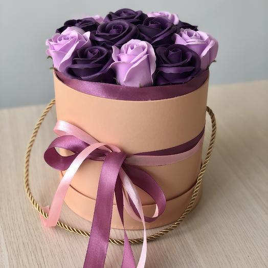 Мыльные розы в шляпной коробке