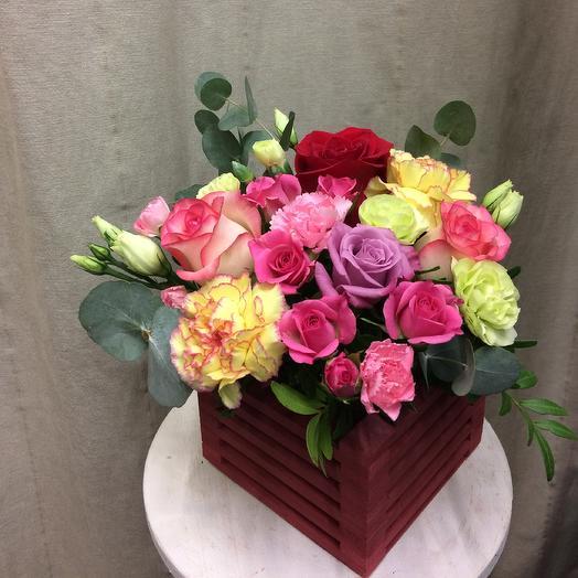Композиция в ящичке «Прекрасный сад»: букеты цветов на заказ Flowwow
