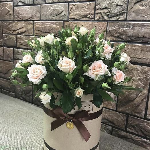 Шляпная коробка с кустовыми розами: букеты цветов на заказ Flowwow