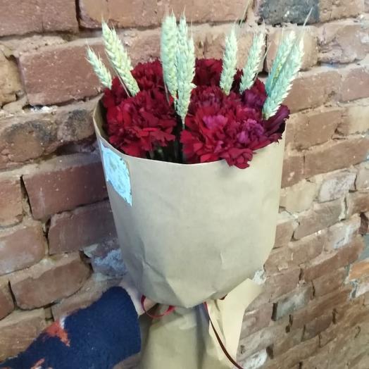 Красная звезда: букеты цветов на заказ Flowwow